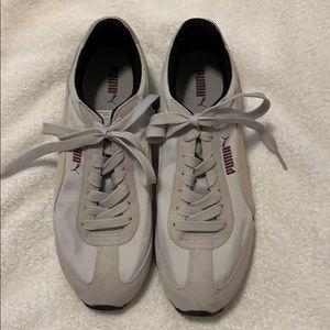 Puma Women's size 9 tennis shoes, excellent shape